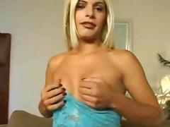 Sexy tranny wants sex