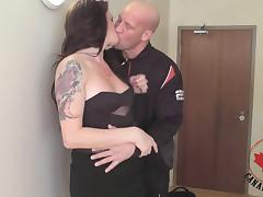Kinky guy gives a tranny head before fucking her in the ass