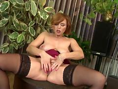 Mature sex bomb MILF with thirsty pussy
