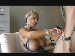Big natural tits 6