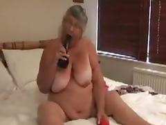 Oma ist geil und bracht Sex