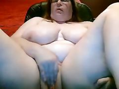 bbw mom tits and pussy
