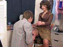 Mom caught son's masturbatsyey her panties