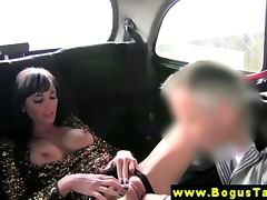 Euro amateur sucks and fucks taxi driver