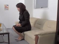 Jap secretary gets her snatch filled in spy cam sex video