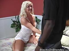Goddess Barbara Summers Has Interracial Sex With A Huge Dark Pole!